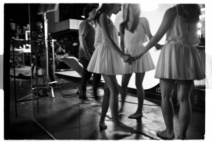Oslava prirodzenej krásy, tanca, lásky afolklóru v novom klipe od kapely Billy Barman