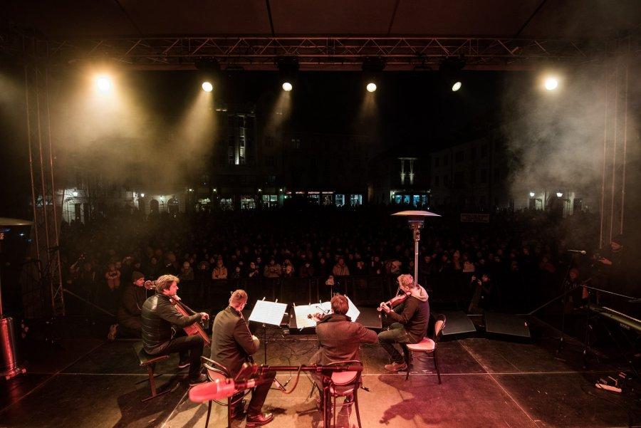 Koncert pre Martinu a Jána s R. Müllerom, Slovenským komorným orchestrom, K. Koščovou A FS Javorníček