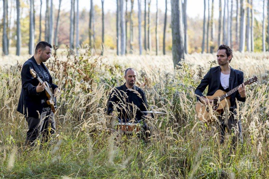 Skupina Bloom vyráža na jarné klubové turné. Svoju hudbu chce živými koncertmi priniesť bližšie kľuďom