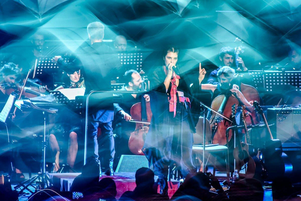 Katarzia zverejňuje svoje koncertné videá