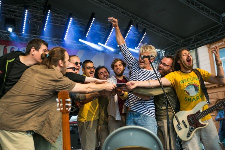 Reggae kapela Akustika z Prešova vydáva svoj druhý album s názvom Zastavme svet