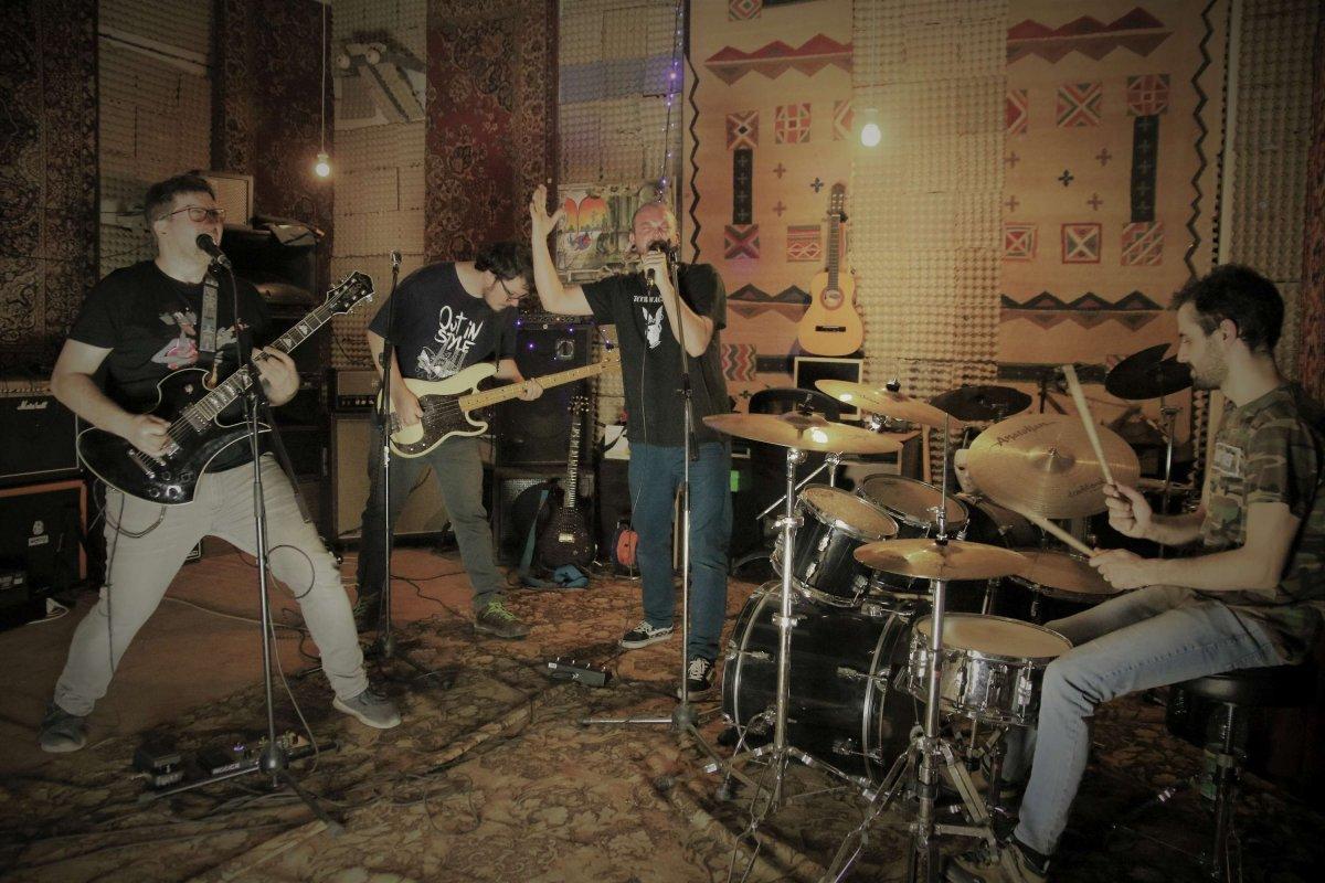 Trnavská punk-trashová kapela Zotrwačnosť vydáva jubilejný album XX