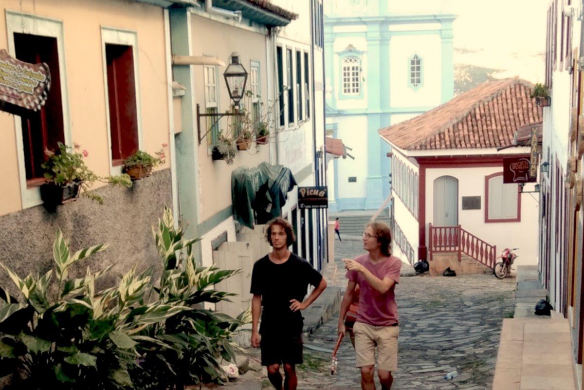 Po cestách po Brazílii vydáva kapela banskobystrických bratov Clube de esquiar svoj nový dvojalbum