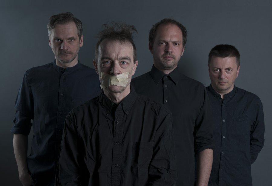 Kapela Ospalý pohyb dnes vydáva album s názvom Úzkosť a rozklad