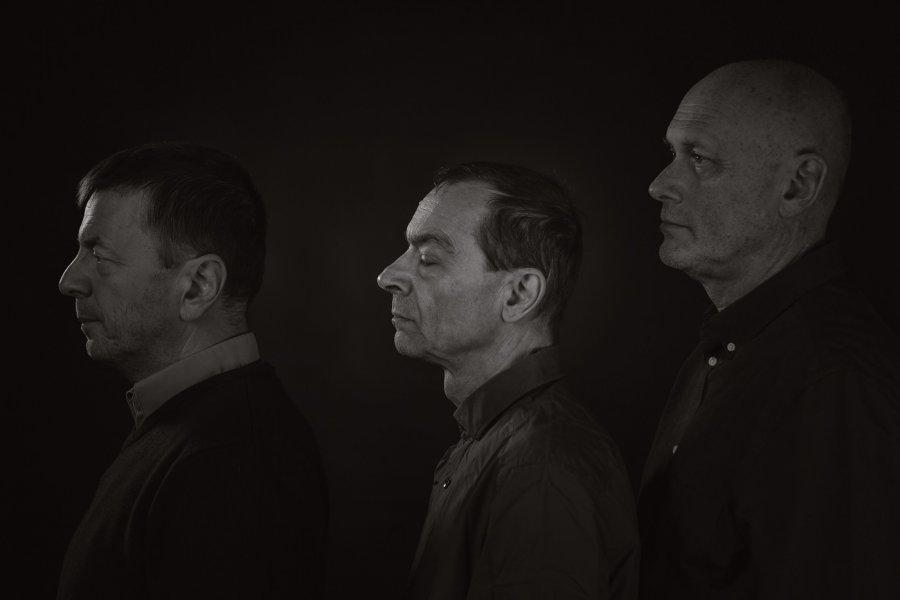 Skupina splnäný zäm vydáva debutový album industria plaču arituálneho zabúdania