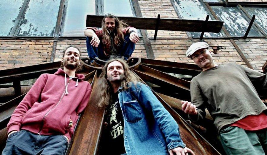Bluesmani zo ZVA 12-28 oslavujú 25tku snovým albumom