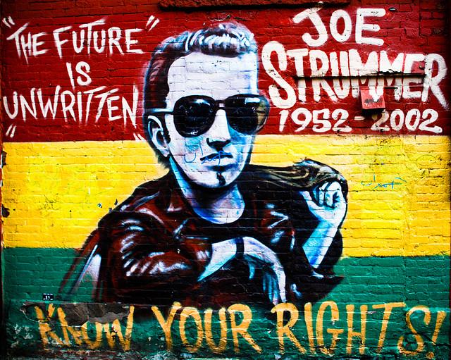 Po Joe Strummerovi z The Clash pomenovali v španielsku námestie