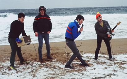 Hooray For Earth pripravujú debutový album
