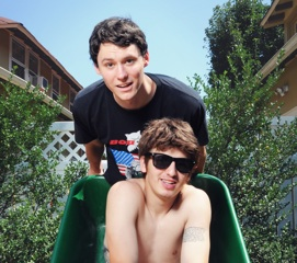 Video: The Front Bottoms - Mountain