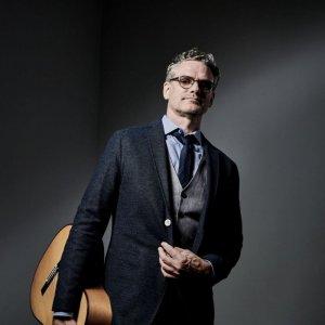 VBratislave po prvý raz vystúpi slávny kanadský hudobník Jesse Cook spájajúci prvky jazzu a flamenca
