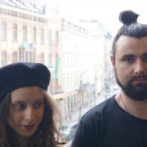 Prirovnávajú ju k Dežovi Ursinymu, Sisa Fehér a Vladko Mikláš vydali nový album Bardo