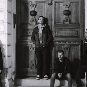 Žilinčania Dave Brannigan majú nový videoklip k piesni Dancing Clouds