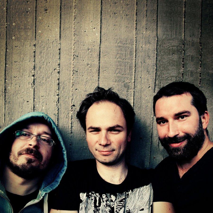 Korben Dallas vydávajú album Karnevalová vrana