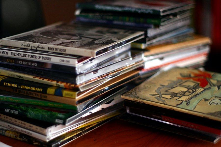 Streamingové služby spôsobujú pokles nelegálneho sťahovania hudby