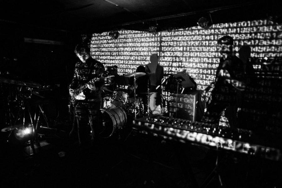 Chris Karloff, bývalí člen kapely Kasabian, vydá sólo album