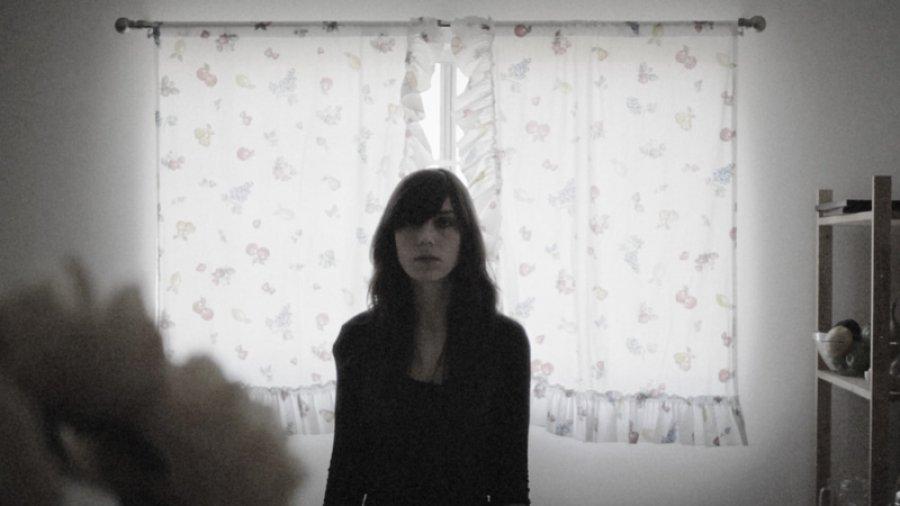 V Žiline vystúpi Julia Holter, pozrite si jej nový videoklip