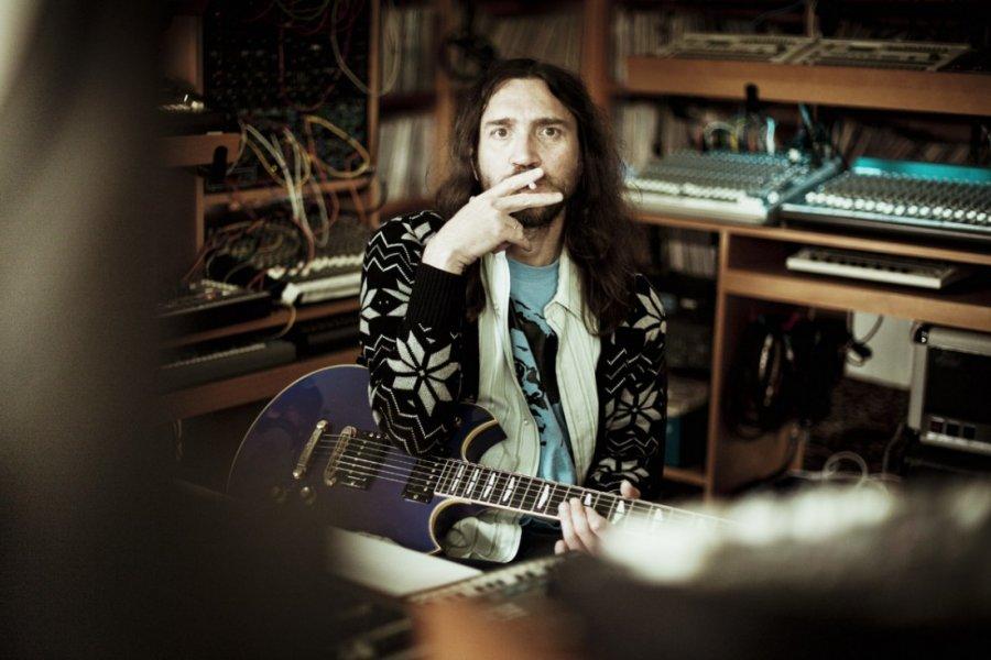 John Frusciante vydáva 27. augusta EP Outsides