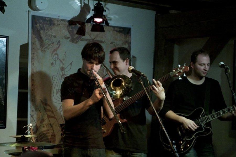 Pražská kapela Eggnoise ponúka ukážku z nového albumu