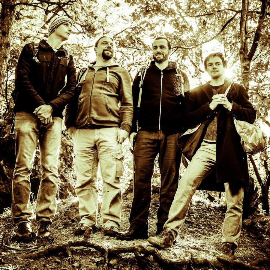 "Česká kapela ""Hm..."" vydá nový album so zmesou jazzu, folku, punku a rocku"