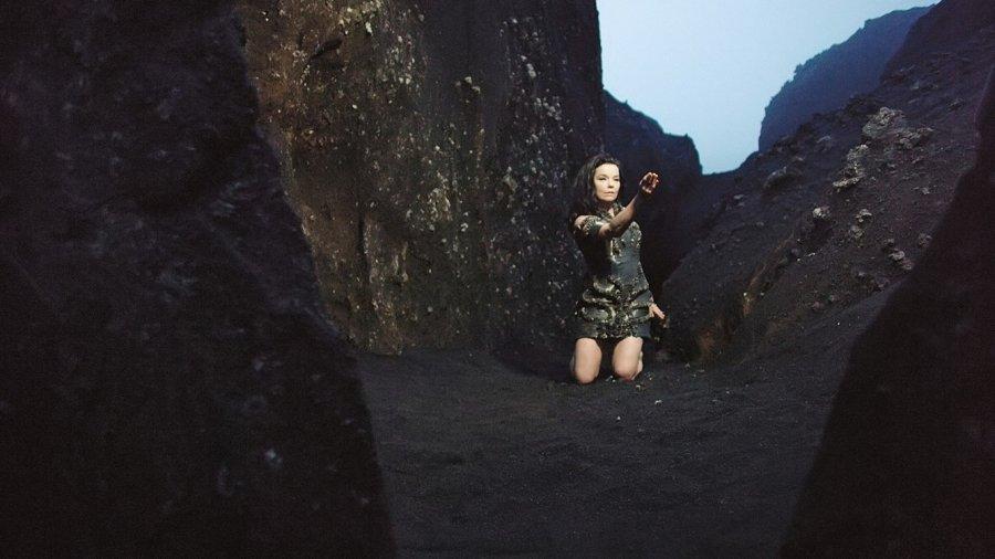 Björk zverejnila 10-minútové video ku skladbe Black Lake