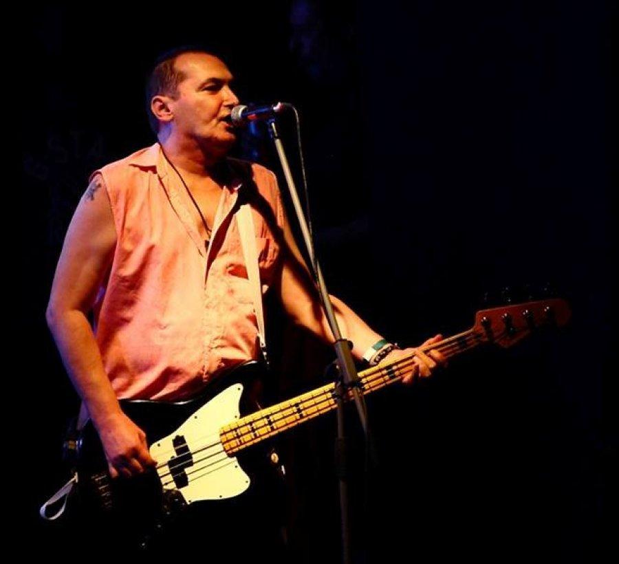 Krstný otec slovenského punkrocku Braňo Alex sa vracia na koncertné pódia