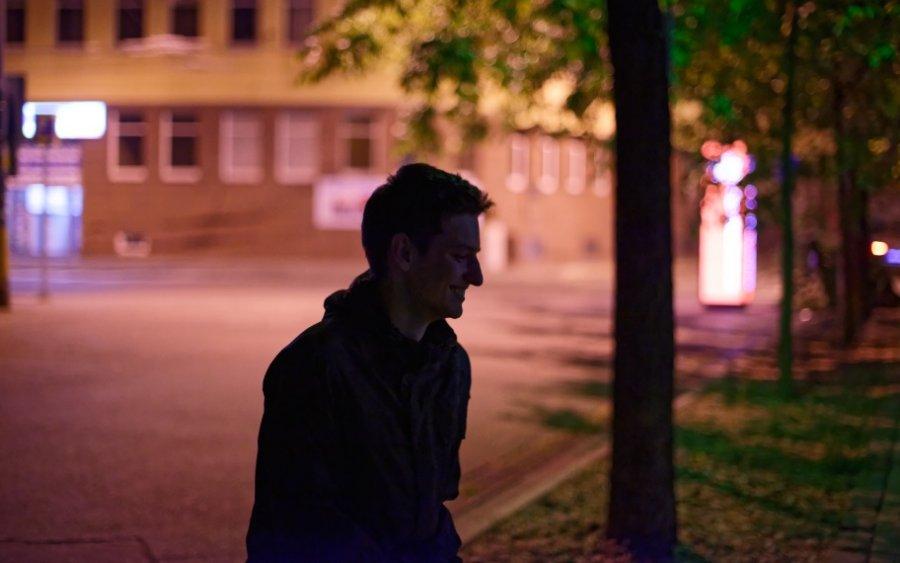 Nádejný producent elektronickej hudby Bulp vydáva singel Far Light