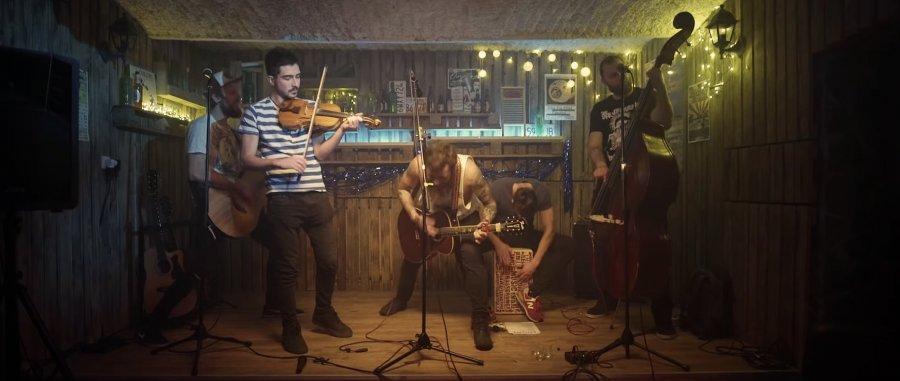Folk-punkáči Cascabel z Banskej Bystrice sa predstavujú klipom Out comes the Beast