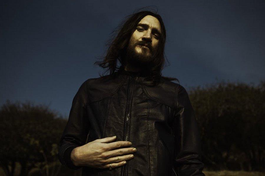 John Frusciante vystrelil svoj nový album do vesmíru