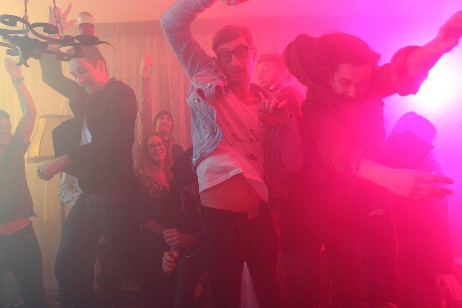 """Billy Barman zvoláva na turné """"Back To The Clubs"""": predstaví úspešný album """"Modrý Jazyk"""""""