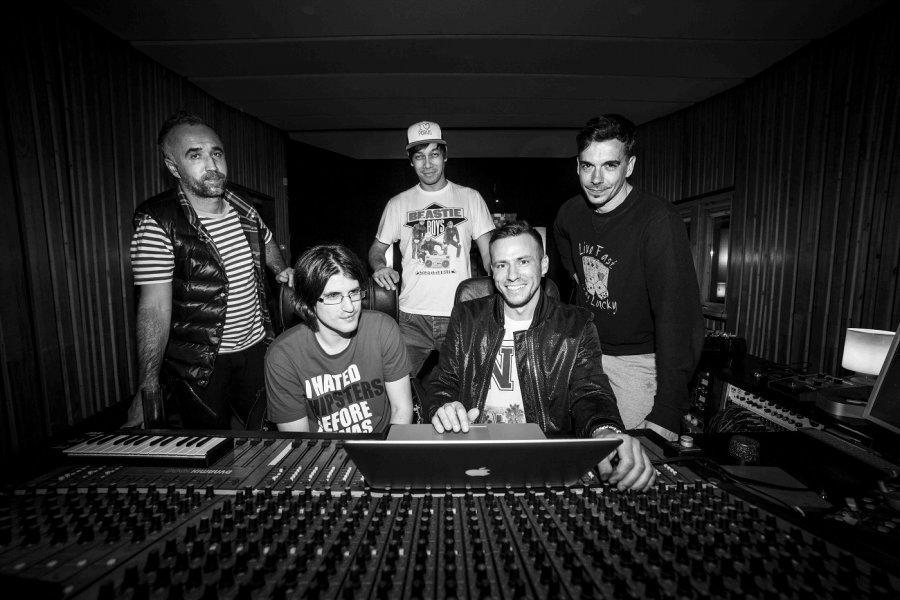 Úspech skupiny Lavagance pokračuje! Vypočujte si remix skladby Gabriel od B-complexa