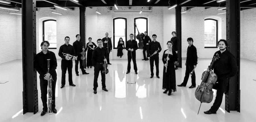 Quasars Ensemble prichádzajú sCD premiérou sólových sonát Ivana Paríka