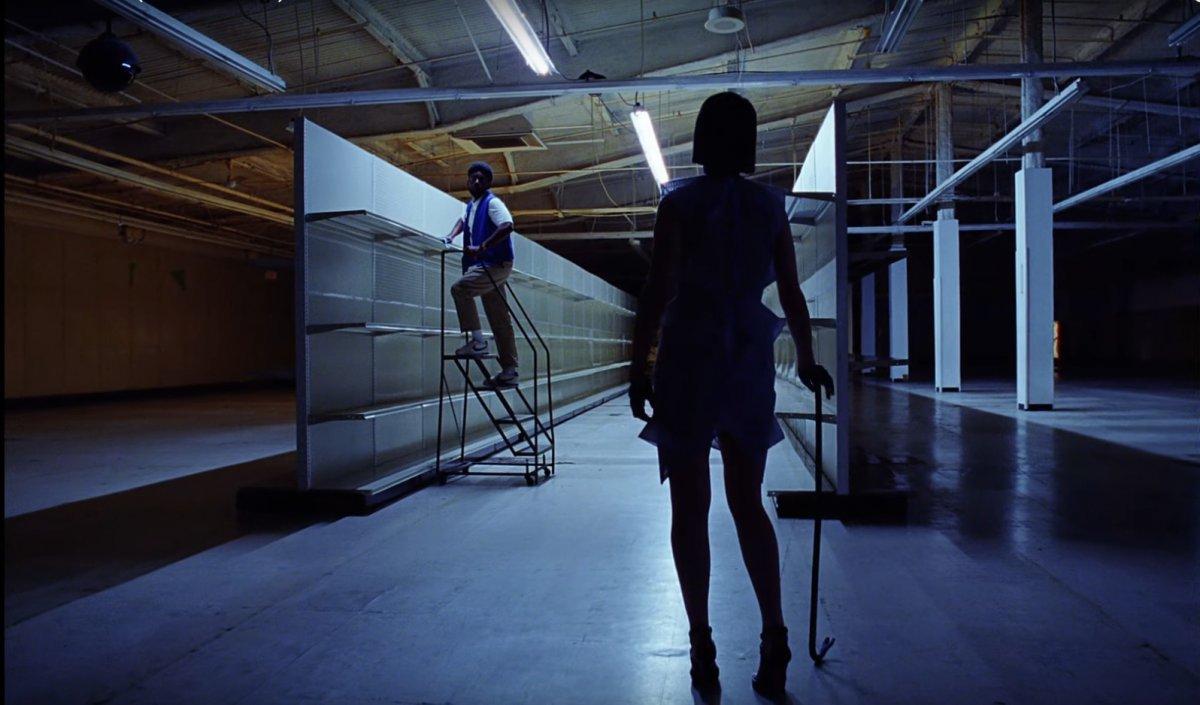 St. Vincent si zahrala vo videoklipe od kapely Red Hearse