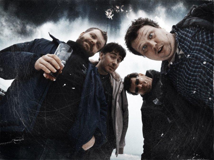Saténové ruky dokončujú album, naživo ich uvidíme v KC Dunaj