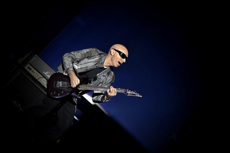 Gitarista Joe Satriani v Bratislave rozvášnil publikum