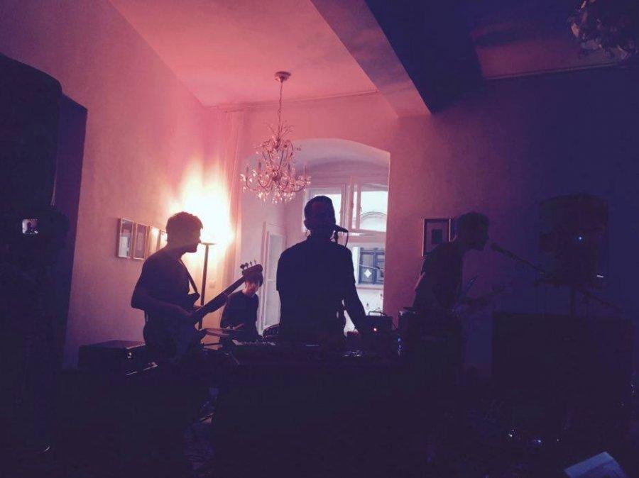 Nová talentovaná kapela SAYS z Bratislavy predstavuje EP Violation Of