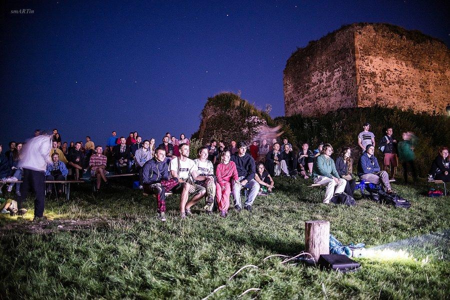 Filmová noc na Šarišskom Hrade ponúkne hudbu, filmy aj Umenie zulice
