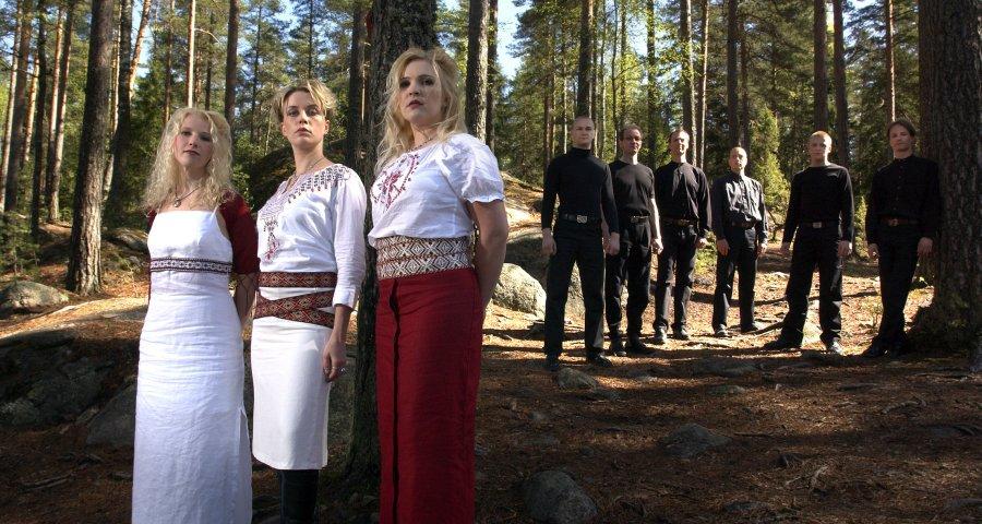 Fínska Värttinä hrajúca world-music vás rozvrtí v klube Bombura v Brezne