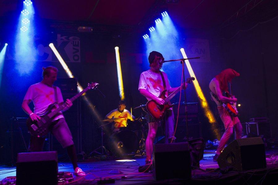 Slovenská post-grungeová kapela Verdikt Znie predstavuje nový klip